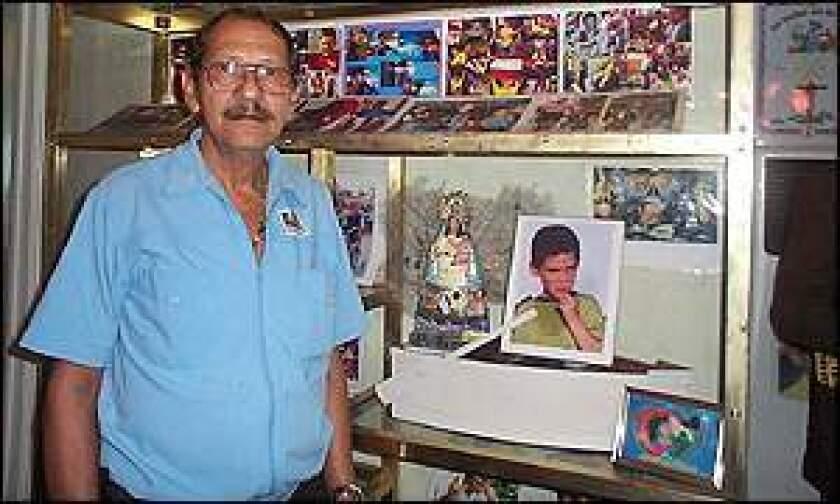 """Delfín González, uno de los tíos abuelos de Elián González, el """"balserito"""" que fue rescatado del mar en 1999 por dos pescadores estadounidenses, murió este domingo en Miami (Florida)."""