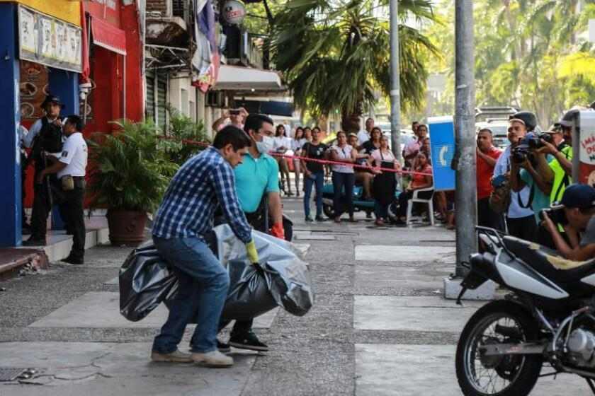 Mueren cinco en ataque armado en un bar del balneario mexicano de Acapulco