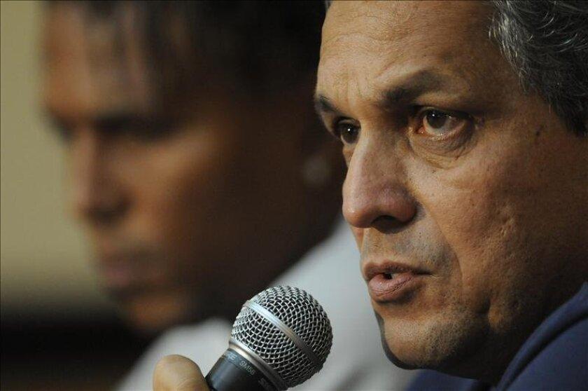 En la imagen un registro del seleccionador del equipo ecuatoriano de fútbol, el colombiano Reinaldo Rueda, quien no dio a conocer a qué jugadores incluirá en el amistoso contra Alemania. EFE/Archivo