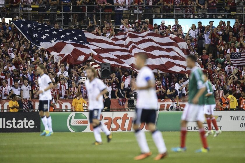U.S. men move up one spot to No. 13 in FIFA rankings