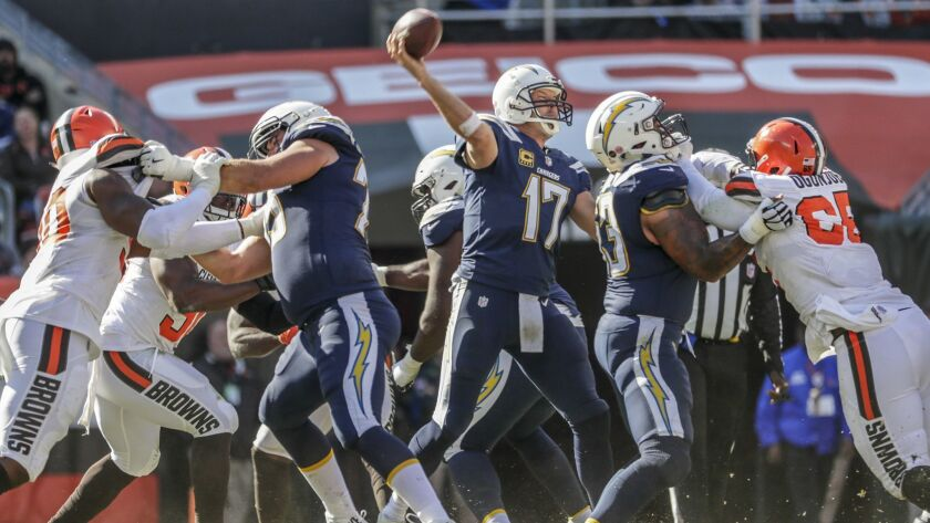 CLEVELAND, OHIO, SUNDAY, OCTOBER 14, 2018 - Charfgers quarterback Philip Rivers delivers a pass from