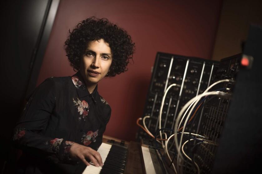 Roshanak Kheshti photo by Erik Jepsen