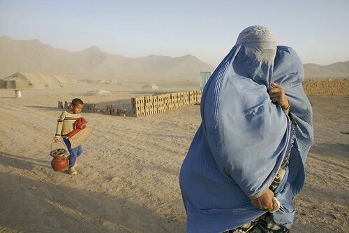 Afghan Refugees Return Home