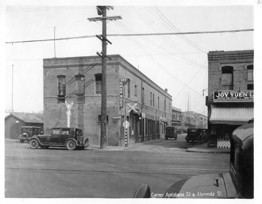 Corner Apablasa Street and Alameda Street, ca. 1933. Gelatin silver print.