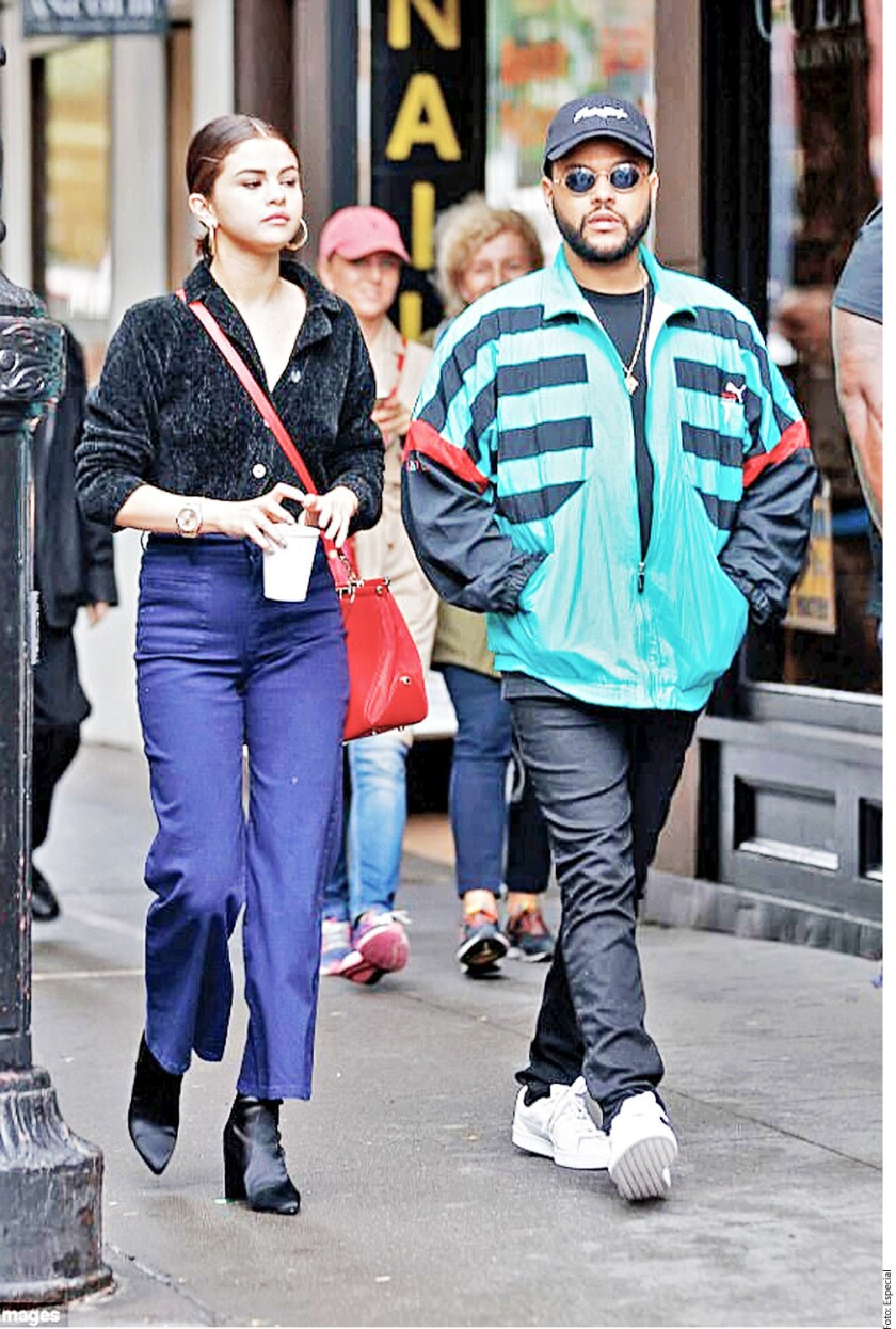 Hace uno días, la cantante usó la chaqueta de The Weeknd mientras paseaba en bicicleta y enmedio de los rumores de su rompimiento.