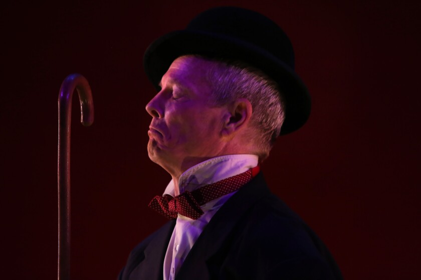 Review: Bill Irwin shares the secrets of Samuel Beckett in a master class at the Kirk Douglas