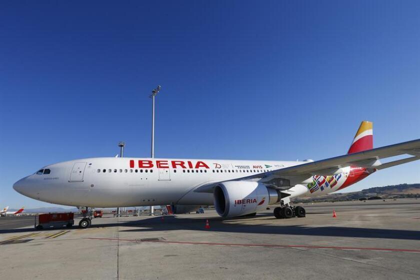 A partir del 31 de marzo la aerolínea española Iberia retomará su vuelo directo Madrid-San Juan-Madrid, informó hoy la aerolínea en un comunicado, en el que indicó que incrementó más de un 30 por ciento sus pasajeros en esta ruta en 2018. EFE/Archivo
