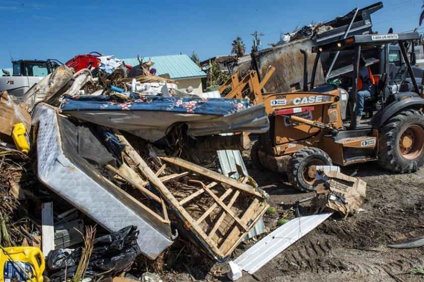 Congresistas demócratas solicitaron a las autoridades federales investigar si hubo sobrecostos en dos contratos realizados por el Gobierno de Florida para recoger escombros en los Cayos de Florida tras el paso del huracán Irma en 2017, informaron hoy medio locales. EFE/ARCHIVO