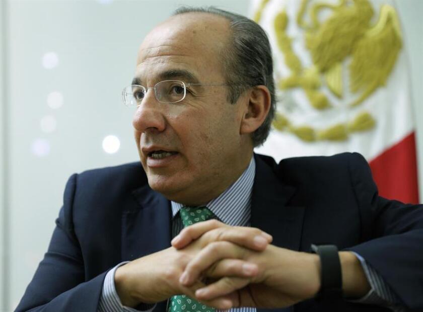 """El expresidente mexicano Felipe Calderón afirmó hoy que considera crear un partido político el próximo año, para alcanzar """"una transformación verdadera a través de la sociedad"""". EFE/Archivo"""