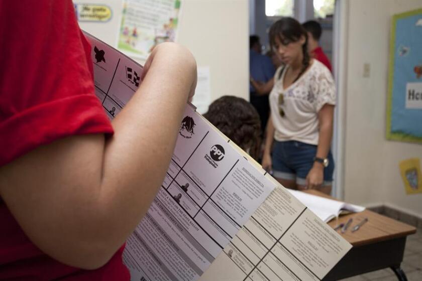 El representante por Carolina, Ángel Matos, presentó el Proyecto de la Cámara 1771, con el propósito de que para el próximo ciclo electoral del 2020 los electores en Puerto Rico puedan emitir su voto, si es integro, a través del internet. EFE/Archivo