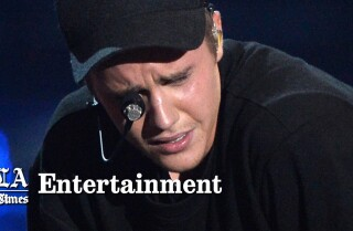 Justin Bieber nails performance, cries onstage | 2015 MTV Video Music Awards