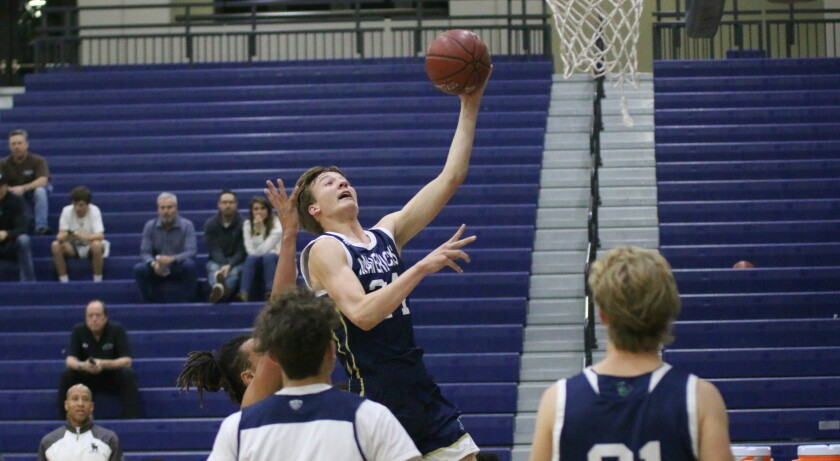 LCC's Tommy Griffitts led the Mavs with 23 pts.