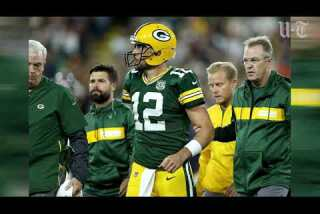 Aaron Rodgers' apparent MCL sprain will limit movement up to a month