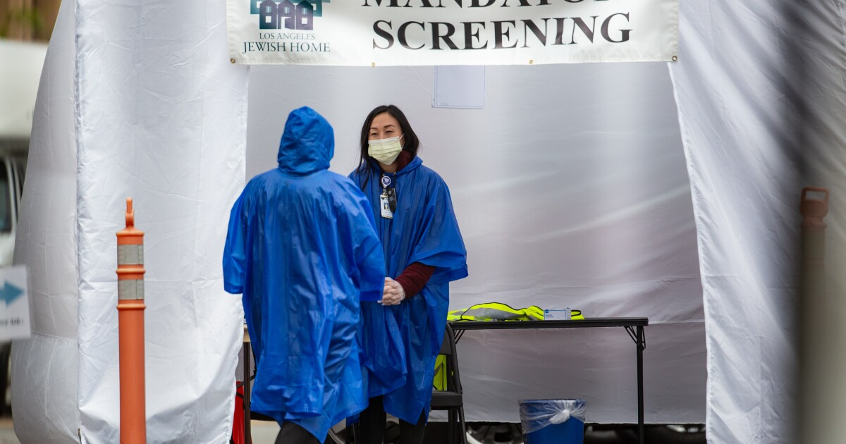'Panjang pada ketakutan, kekurangan gear': Dalam California rumah sakit karena mereka menunggu untuk coronavirus surge