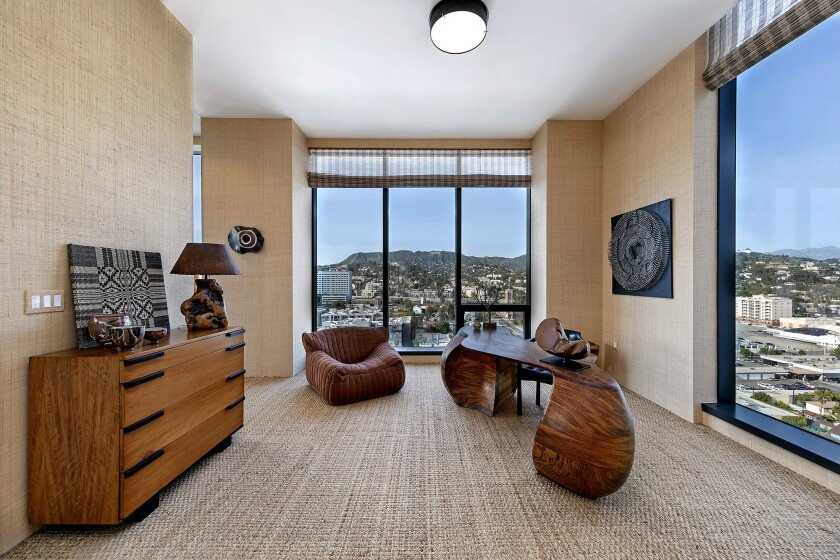 Home of the Week   A Columbia Square penthouse dressed to the nines