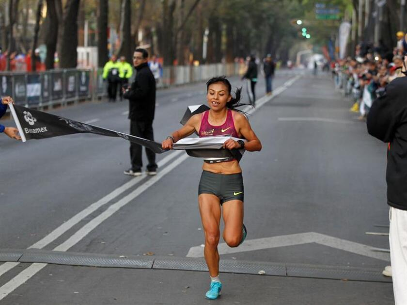 En la imagen un registro de la atleta mexicana Vianey de la Rosa. EFE/Archivo