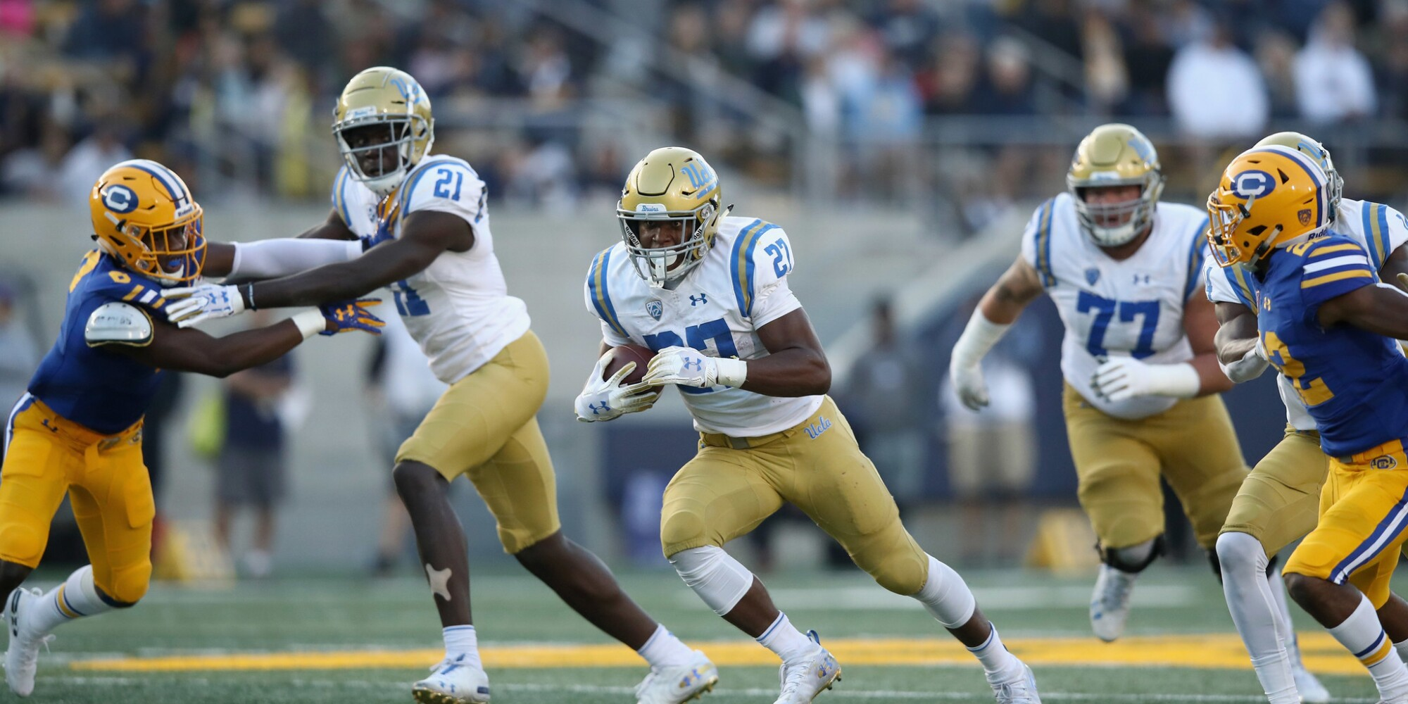 Live updates: UCLA 31, Arizona 30, 4th quarter