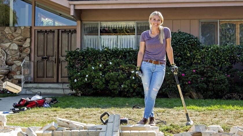 """Hot Property   Renovation of the """"Brady Bunch"""" house on HGTV"""