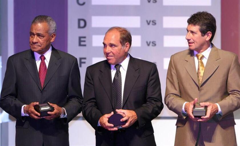 Daniel Onega (center) takes part in a Copa Libertadores draw ceremony on Dec. 2, 2004, in Asuncion, Paraguay. EPA-EFE/Andres Cristaldo