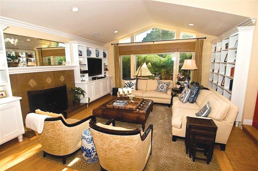 5565-Taft-Avenue-Living-Room