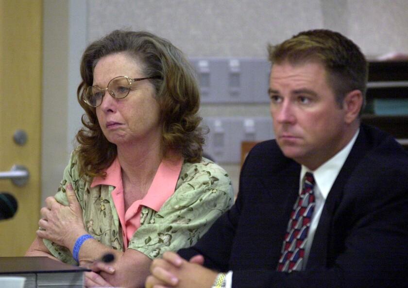 Jane Dorotik, left, at a 2001 hearing.  ( UT photo by Eduardo Contreras)