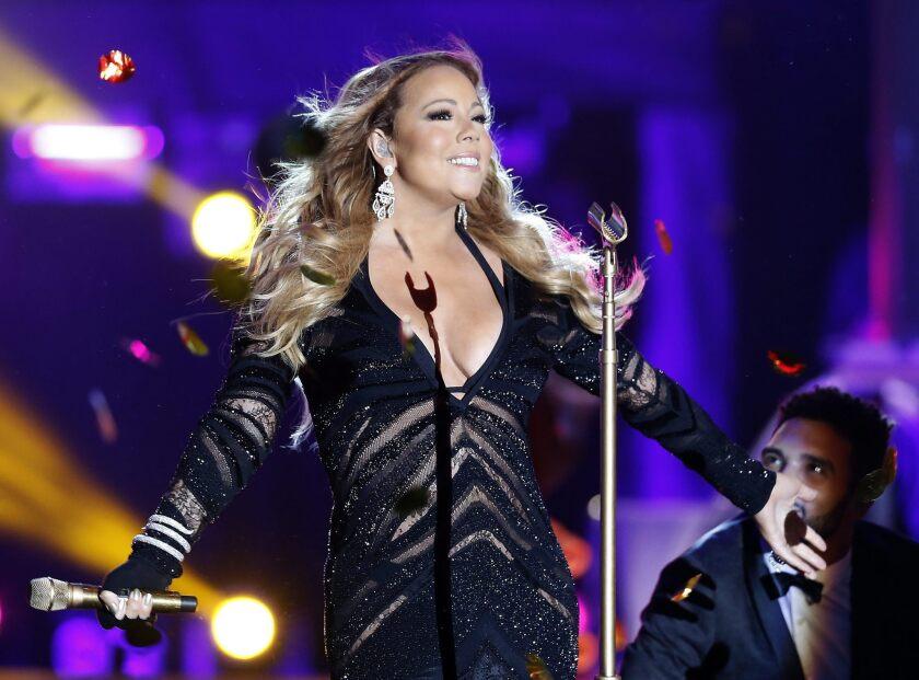 La cantante al parecer gasta mucho dinero sin ningún tipode control y esto ha sido una molestia muy grande para su exprometido.