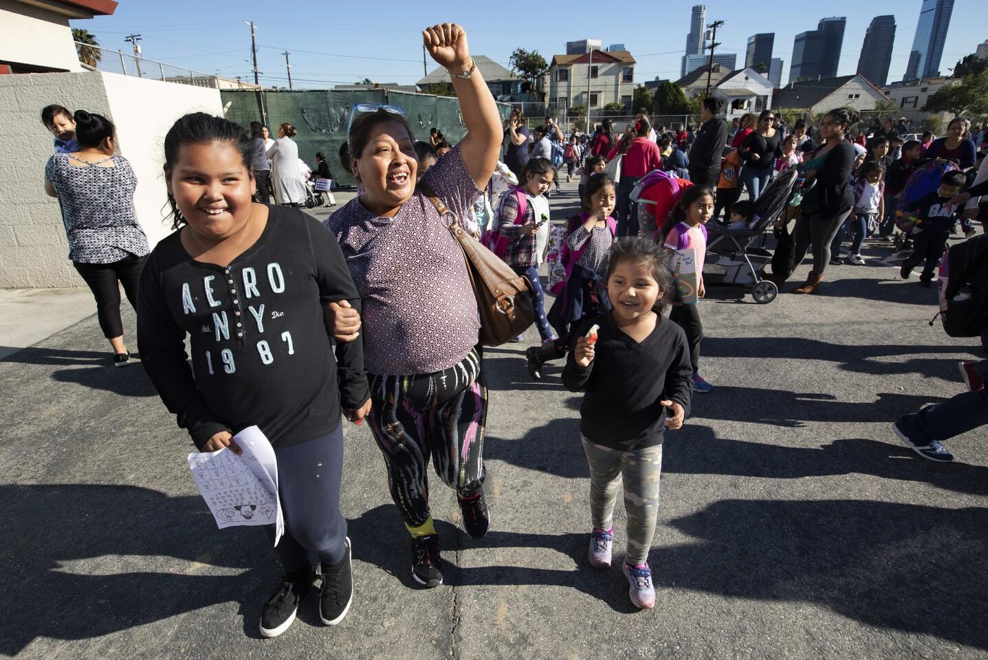 L.A. teachers return to work