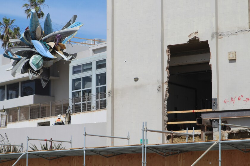 Level 10 Construction workers expand the Museum of Contemporary Art San Diego's La Jolla campus on Prospect Street.