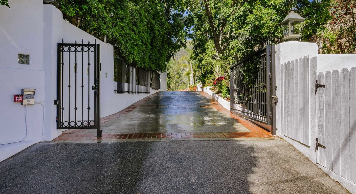 Peter Graves and Lindsey Maracotta's Hollywood Hills estate | Hot Property