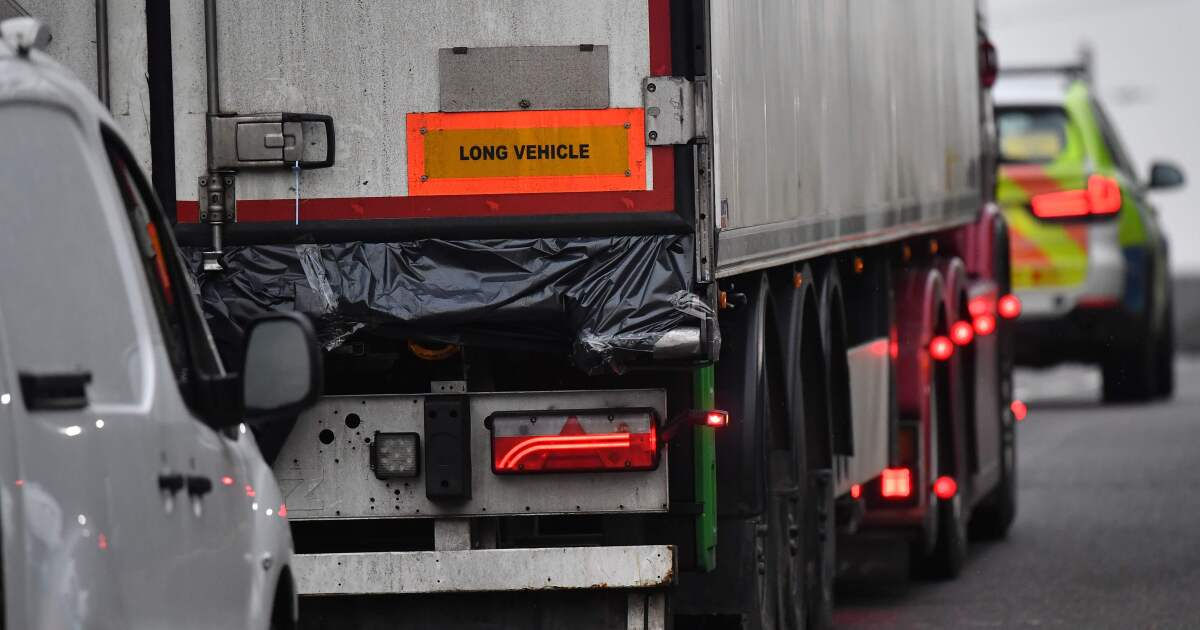 Probe expands in British truck deaths; all 39 victims are from China - Los Angeles Times