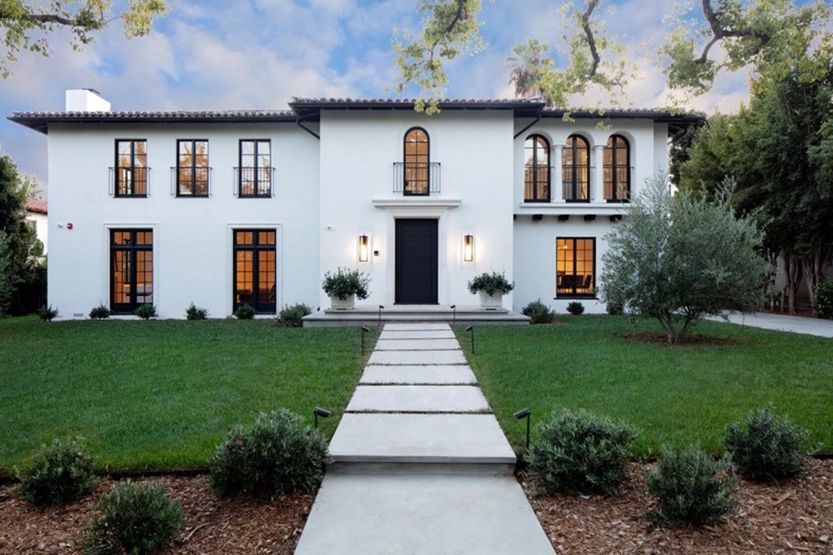 Hot Property Fashion Designer Robert Rodriguez Sells Home Los Angeles Times