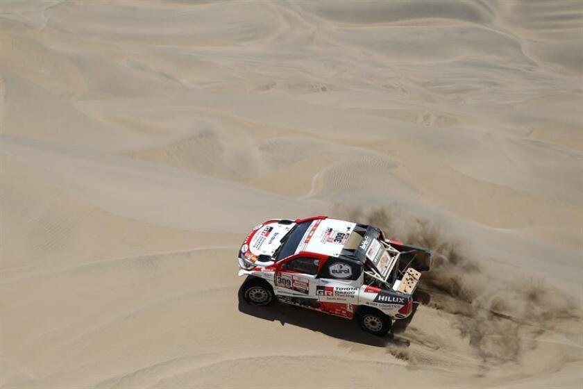 Scene from the 2019 Dakar Rally's 7th stage on Jan. 14, 2019, showing the Toyota driven by Netherlands competitor Bernhard Ten Brinke; the 8th stage gets underway Tuesday with 10 motorcyclists, 10 automobiles and five trucks taking the road in Peru. EFE-EPA/Ernesto Arias