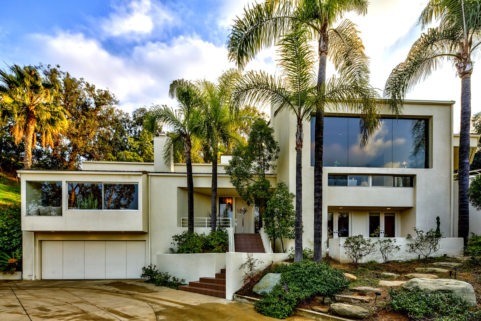 Home of the Week: King of the hill in Silver Lake