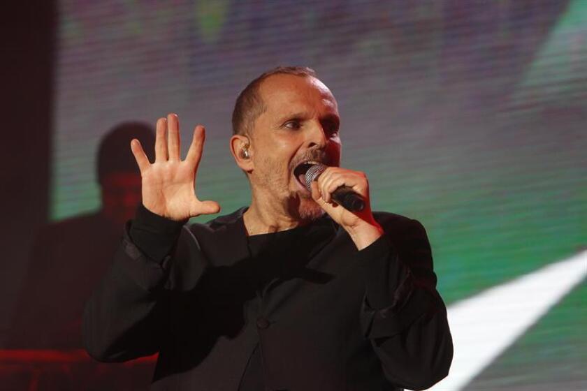 Miguel Bosé y Thalía figuran entre los artistas que se subirán al escenario de los Latin Grammy para anunciar los ganadores de estos galardones, informó hoy la Academia Latina de la Grabación en un comunicado. EFE/ARCHIVO