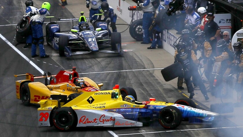 Townsend Bell and Ryan Hunter-Reay mishap knocks them from Indy 500 contention