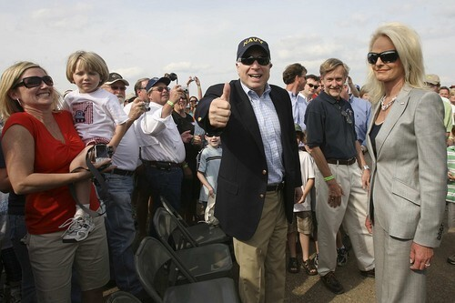 John McCain, Cindy McCain, Mississippi