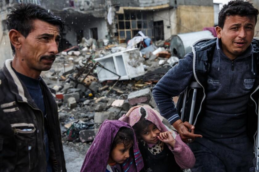 Airstrikes cause civilian casualties in Mosul