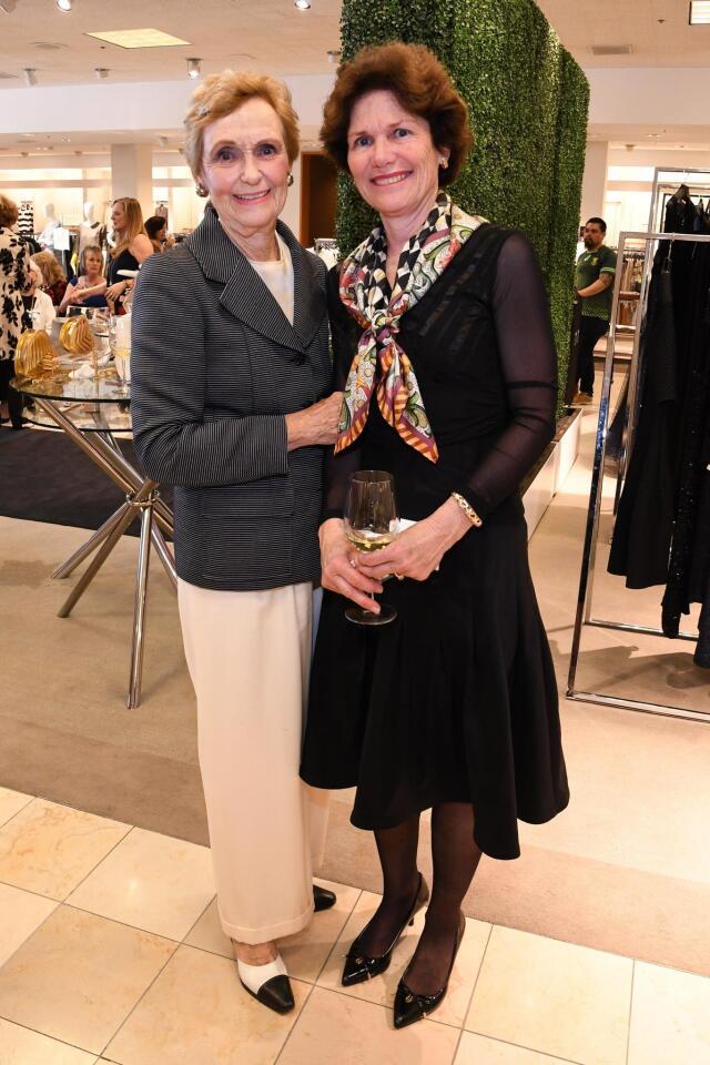 Barbara McColl, Carrie O'Brien