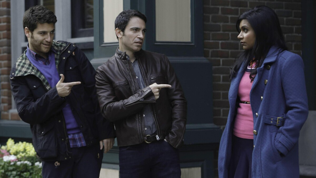 On Diversity Mindy Kaling Finds Herself Held To Higher Standard Los Angeles Times