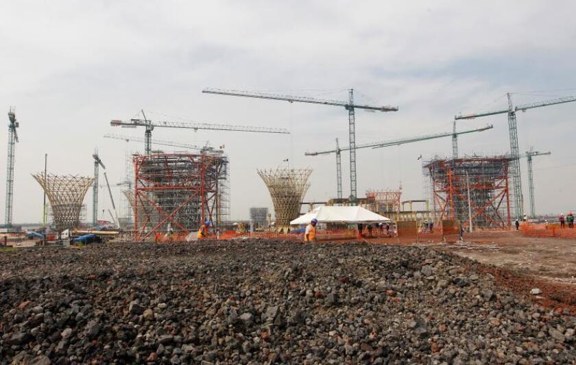 Fotografía de archivo del 2 de noviembre de 2018, de los adelantos de lo que sería la construcción del nuevo aeropuerto, en Texcoco, Ciudad de México (México). EFE/Mario Guzmán/Archivo
