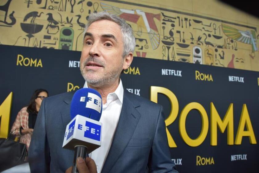 """Alfonso Cuarón, director, productor y guionista de la película Roma participa en el lanzamiento de la película """"Roma"""" en el Teatro Egipcio de Hollywood (EE.UU.). EFE/Archivo"""