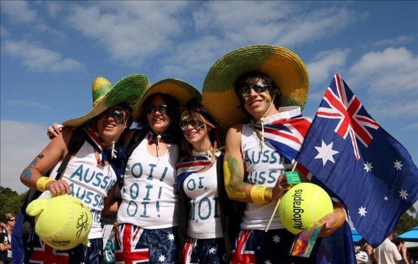 Seguidores australianos durante la inauguración del Abierto de Australia en Melbourne. EFE/Archivo