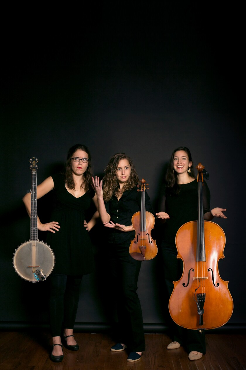 Harpeth Rising: (from left) Michelle Younger (banjo), Jordana Greenberg (violin), Maria Di Meglio (cello).