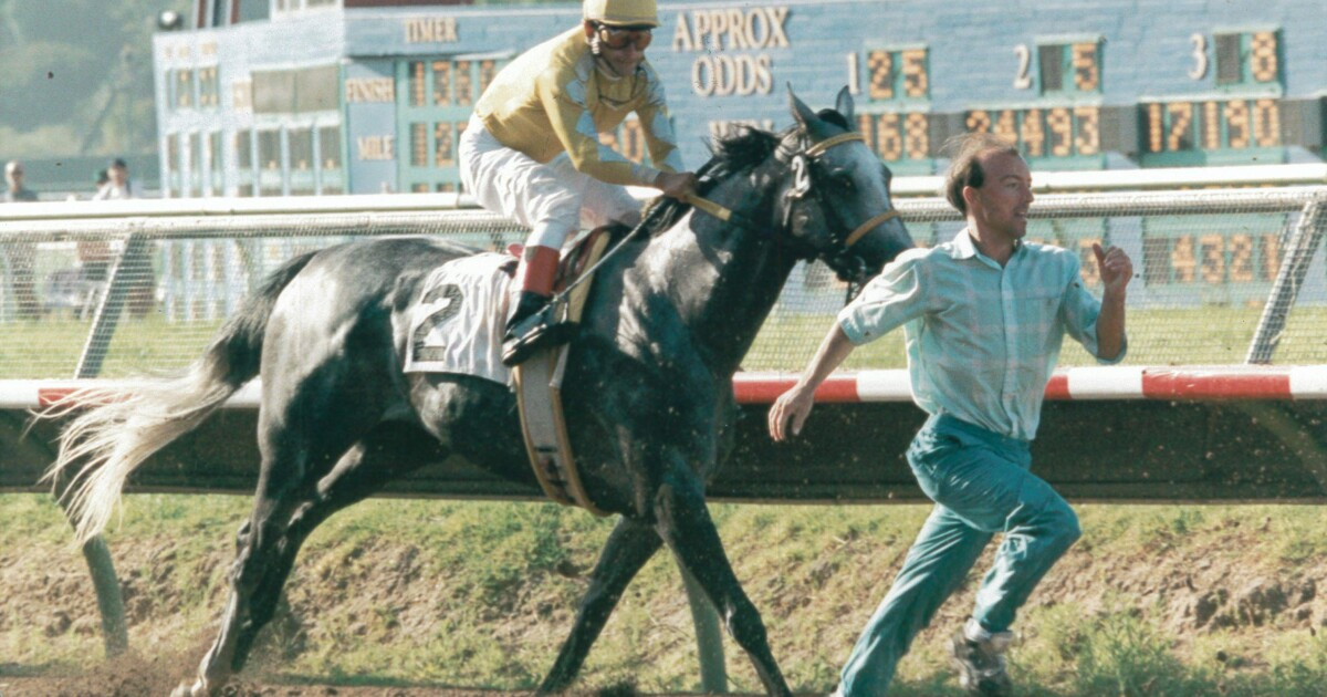 Column: The day 25 years ago a man ran with the horses at Del Mar