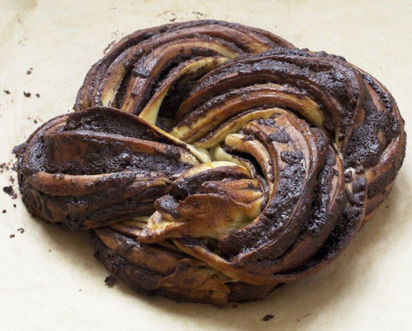 Chocolate yeast cake
