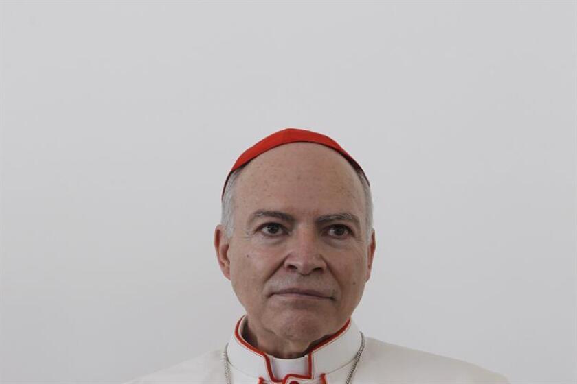 El arzobispo primado de México, Carlos Aguiar Retes, habla durante una rueda de prensa. EFE/Archivo