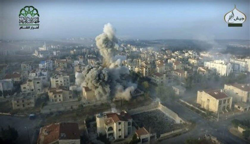 """El Pentágono informó hoy que la cercanía de un avión ruso y otro estadounidense en pleno vuelo registrada en el espacio aéreo sirio el pasado 17 de octubre """"no fue hostil"""", sino un """"extraño suceso""""."""
