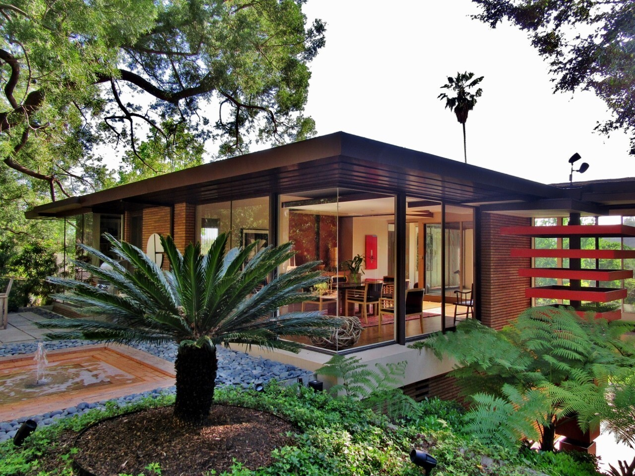 The W. Parker Lyon House, which was designed in 1948 by noted architect Thornton Ladd.