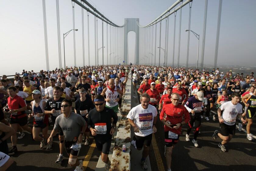 Runners start the 36th New York City Marathon.