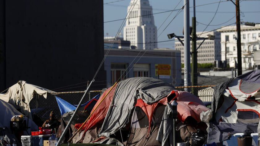 LOS ANGELES, CA SEPTEMBEFR 12, 2018: Tents line the street near East 6th Street and S. Central Ave